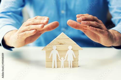 Fotografia  family property, life and health insurance concept