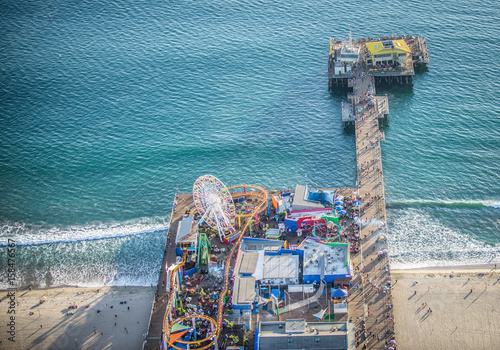 Poster Los Angeles Santa Monica pier, view from helicopter