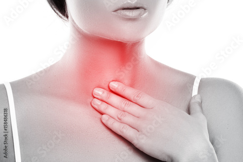 Fotografía Woman with a pain in her throat