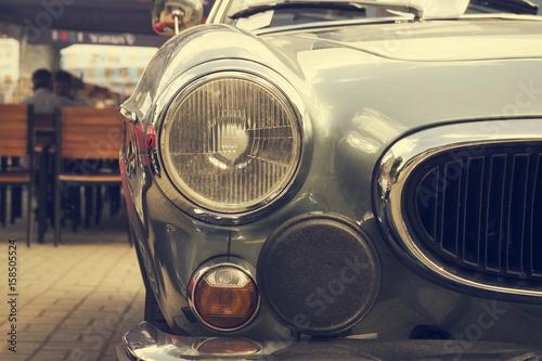 In de dag Vintage cars Headlights of an old vintage car.