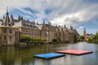 canvas print picture - Floating pontoons in Het Binnenhof the Hauge. The oldest House of Parliament in the world still in use