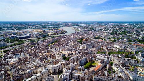 Vue aérienne du centre historique de la ville de Nantes, en Loire Atlantique, France