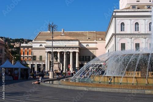 la piazza de ferrari à  gènes en italie плакат