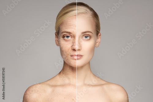 Fotografía  Portrait Of Old and Young Blond Woman. Ageing concept.