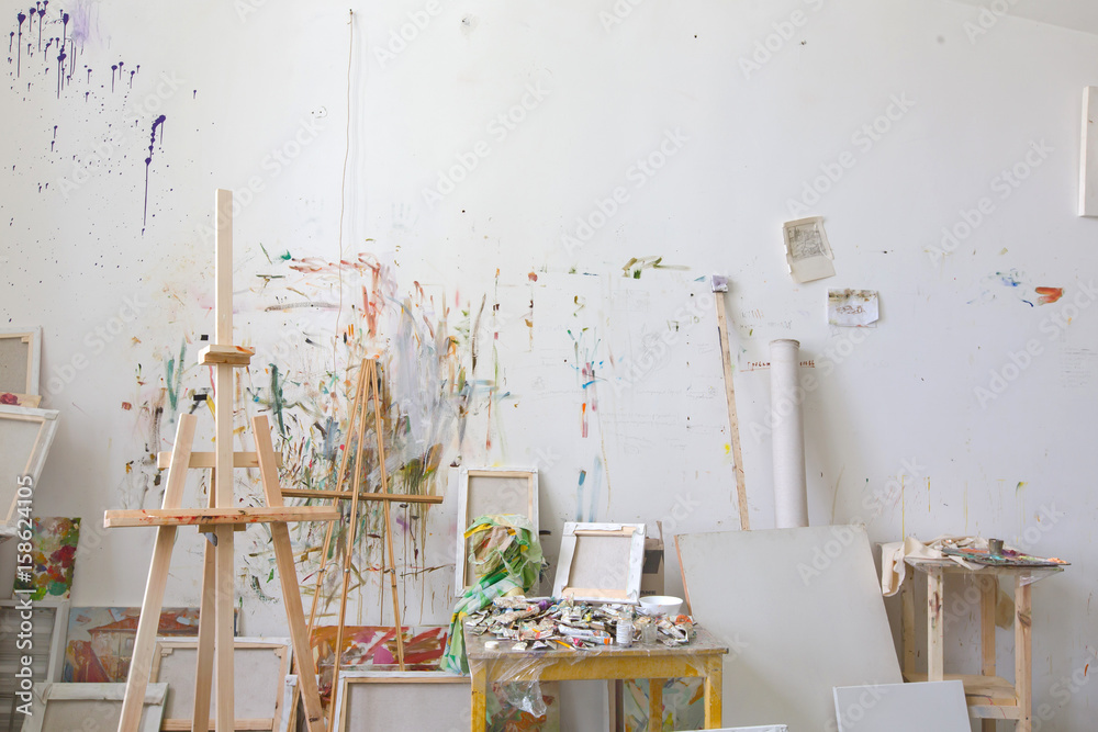 Fototapety, obrazy: Wall in the artist's studio interior, workshop