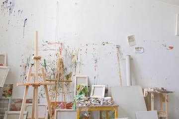 Zid u interijeru umjetnikova atelijera, radionica