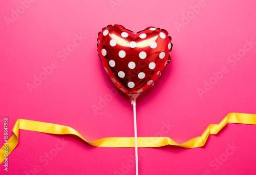 Valokuvatapetti Air inflatable heart shape toy