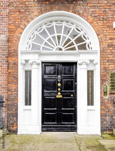 Fotografia  Irland - Dublin - bunte Haustüre am Merrion Square Park
