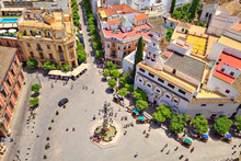 Séville, Place Vierge Des Rois Vue De La Giralda