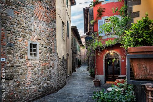 malownicza-ulica-w-montecatini-therme-tuscany-wlochy