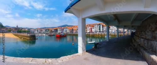 Foto auf AluDibond Stadt am Wasser Panorama of Lekeitio village