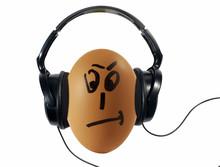 Uovo Che Ascolta Musica