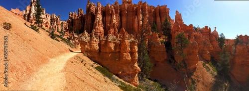 czerwone-gory-w-parku-narodowym-bryce-canyon-utah-stany-zjednoczone-ameryki