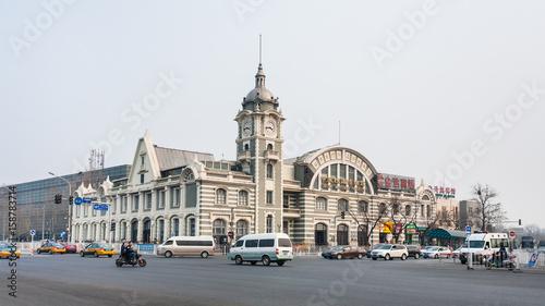 Foto auf Leinwand Beijing traffic near Zhengyangmen East Railway Station