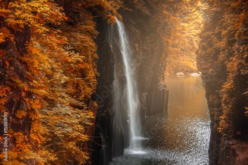 Küchenrückwand aus Glas mit Foto Wasserfalle Takachiho gorge autumn season at Miyazaki , Japan