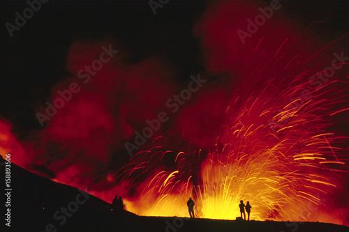 Deurstickers Vulkaan Etna, Fontana di lava
