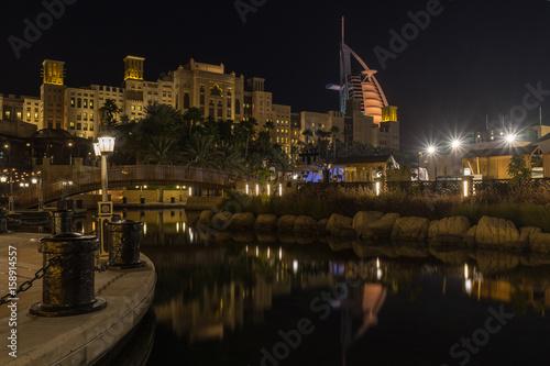 Photo  Souk Madinat Jumeirah near Burj al Arab at night, UAE United Arab Emirates