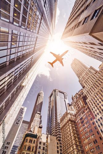 Naklejki na drzwi   samolot-w-miescie