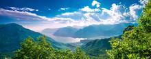 Il Lago Di Garda Con Il Monte Baldo Dalla Val Di Gresta