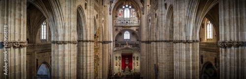 Interior de catedral en Salamanca, Castilla y León, España Wallpaper Mural