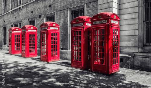 czerwone-budki-telefoniczne-w-londynie-wielka-brytania