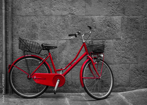 Printed kitchen splashbacks Bicycle Classical red bicycle on stone wall