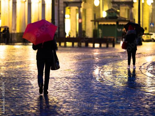 Photo  Pioggia in città di notte