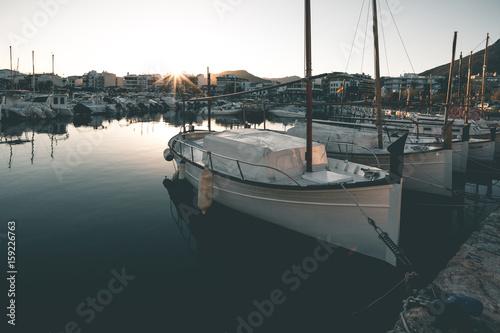 Plakat Wieczór światło nad Port de Pollenca - Mallorca