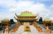 Dai Nam Golden Temple On 23 Oct 2016 - Vietnam, Dai Nam Is Also Called Tu An Temple (Temple Of Four Gratitude), A Reminder Of The Origins Of The Vietnamese And The People Who Helped Form The Country.