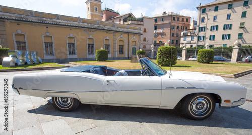 Fotografia  GENOA, ITALY JUNE 3, 2017 - Profile of a car of an American white car Buick