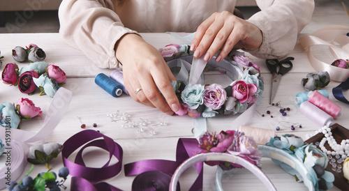 Photographie Handmade headbands making, home workshop