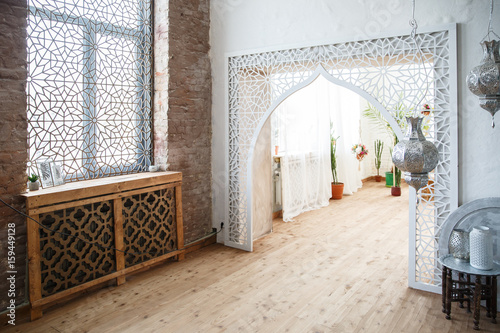 Incredible Eastern Traditional Interior Arabic Style Room Arch And Home Interior And Landscaping Elinuenasavecom