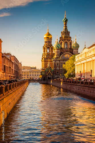 Obraz Church of the Savior on Spilled Blood at sunset in St. Petersburg, Russia - fototapety do salonu