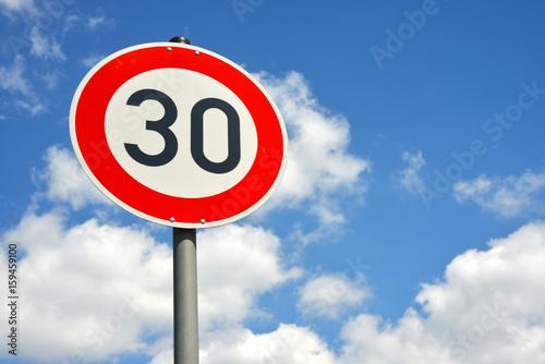 Fotografiet  30 Zone, Schild, Verkehrsschild, Verkehrsberuhigung, Achtung, Kinder, Geschwindi