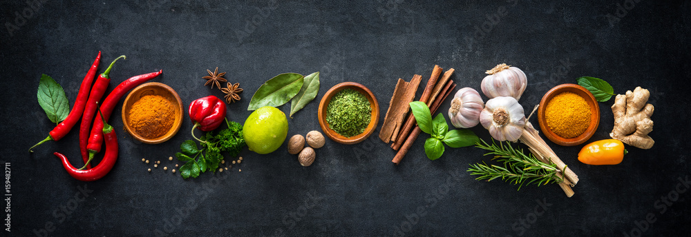Fototapety, obrazy: Various herbs and spices