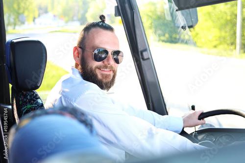 Fototapeta Kierowca Autokaruprzystojny Kierowca Autobusu