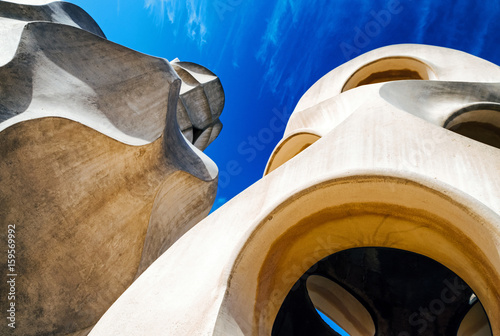 Fotografiet Chimney on Case Mila - house designed by Antoni Gaudi in Barcelona, Spain
