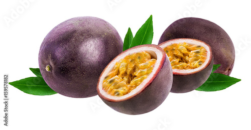 Poster Fruit Passion fruit isolated on white