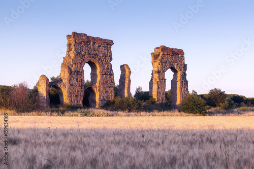 Foto op Canvas Rudnes Remained in ruins of an ancient Roman aqueduct.