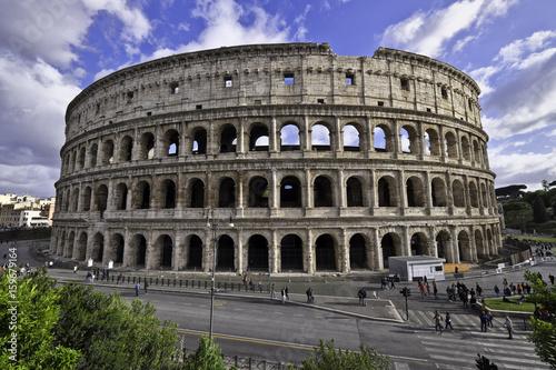 colosseum-rome-italy