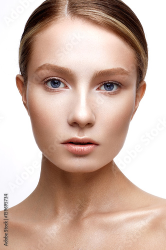 Young girl with perfect shining skin Canvas-taulu