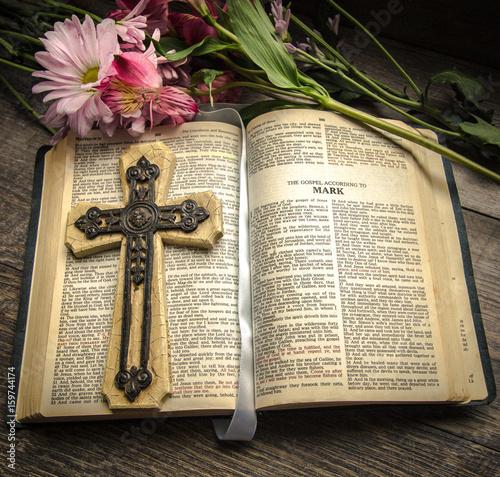 Fotografie, Obraz  Bible And Cross Background