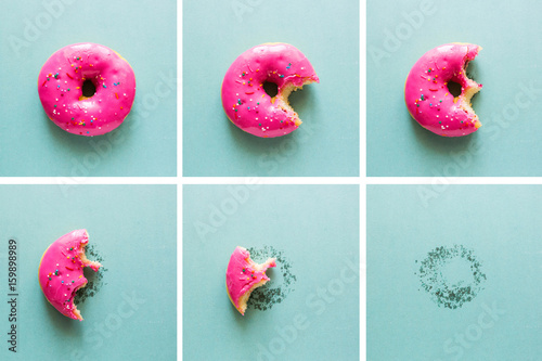 Photo  Bite-on pink donut