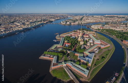 Fotomural  Aerial view of Peter and Paul Fortress in Saint-Petersburg