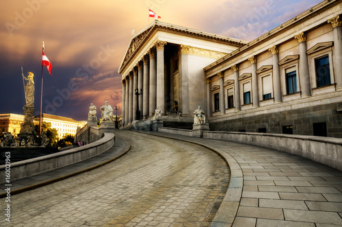 Tuinposter Wenen Austrian Parliament Building in Vienna (Austria)