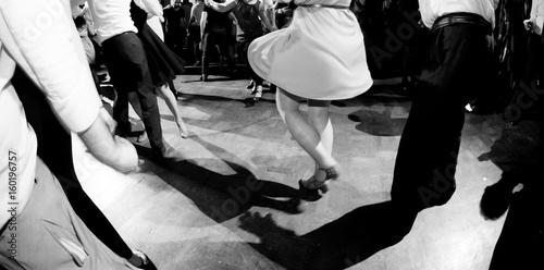Fotografie, Obraz  Ballare alla festa di musica swing