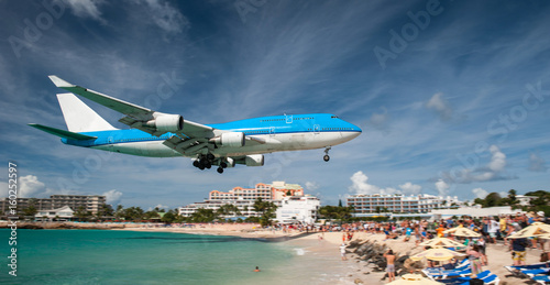 Türaufkleber Flugzeug Landing at Juliana airport, Saint Martin