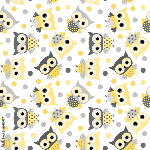 obraz dibond Cute animal seamless pattern with cartoon owls in yellow and grey colors for kids clothing, invitations and wrapping paper
