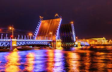 Fototapeta na wymiar Palace bridge in Saint Petersburg