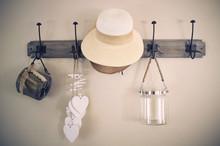 Shabby Coat Hangers (vintage)